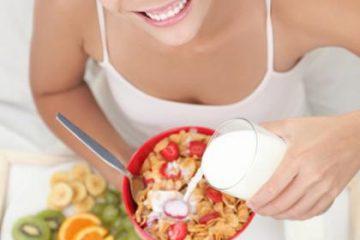 Ăn sáng tăng cơ hội có thai ở phụ nữ mắc bệnh buồng trứng đa nang